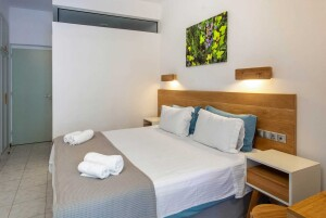 accommodatio hotel nefeli double bedroom